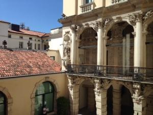 Palazzo Leoni-Montanari, Vicenza